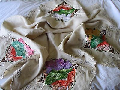 Lovely Vintage Madeira Embroidered Linen Cutwork Tablecloth Fish & Waterlilies