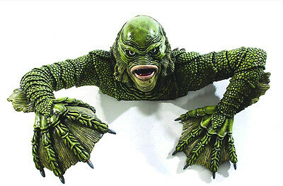 Creature From the Black Lagoon Grave Walker Universal Monsters Foam Prop 1OFA103