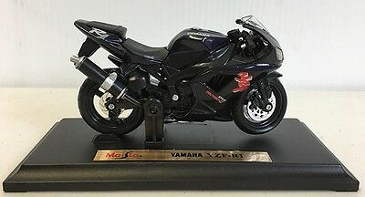YAMAHA YZF 1000 R1 BLACK die cast 1-18 scale motorcycle Maisto bike display box