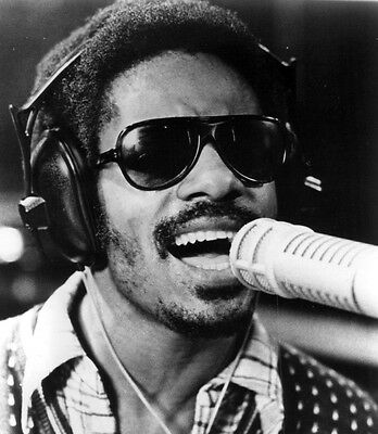 Stevie  Wonder  -  8  X  10  Glossy  Photo  Reprint