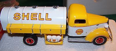 First Gear SHELL OIL 1937 CHEVY TANKER TRUCK 1 / 34 SCALE NEW IN BOX