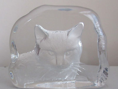 Cat Kitten Crystal Paperweight Detailed