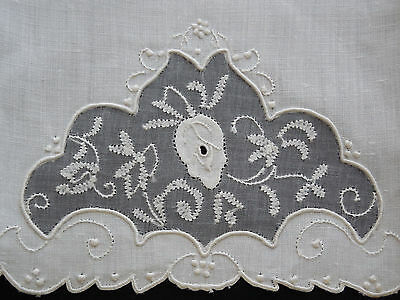 Vintage Madeira Guest Towel Rosebud Applique on Ivory Linen New With Tag