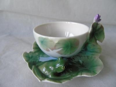 Boxed Franz Porcelain Amphibious Collection Frog Cup & Saucer Set by Ming Lei