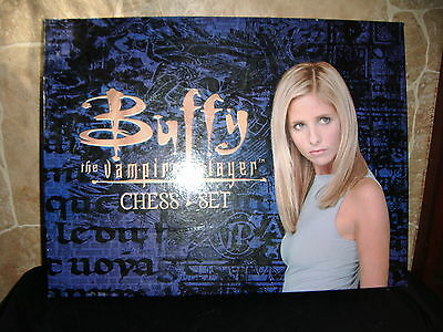 Very Rare Buffy The Vampire Slayer Chess Set ,never Been Used Rare L@@k