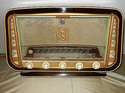 French tube radio Propably a SONOLOR with sidelights