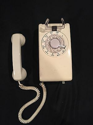 Vintage Western Electric Bell Systems Retro Rotary Wall Mount Phone Almond 554