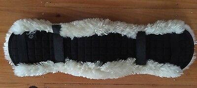 LEMIEUX lambswool Sheepskin Girth Cover 65cms Excellent Condition RRP$70
