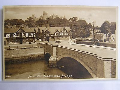 Postcard - Arundel Castle And Bridge - Sussex - 1945