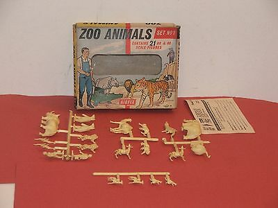 Vintage Airfix Zoo Animals Set No.1 / Front Window Box / Complete & On Sprues