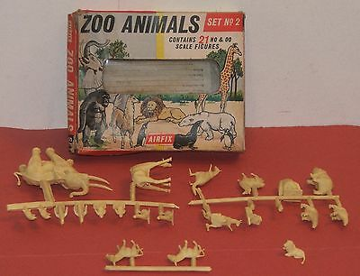 VINTAGE AIRFIX ZOO ANIMALS SET NO.2 / Front Window Box / COMPLETE & ON SPRUES