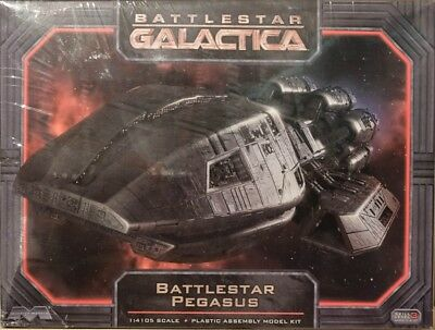 Pegasus BS 62 Battlestar Galactica in 1:4105 Model Kit Moebius 931 Kampfstern