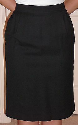 Louis Feraud straight woolen skirt size 40, vintage 1980s, fully lined