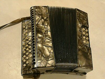 VINTAGE HOHNER LILIPUT LILLIPUT MELODEON BUTTON ACCORDION ACCORDIAN Bb Eb KEY