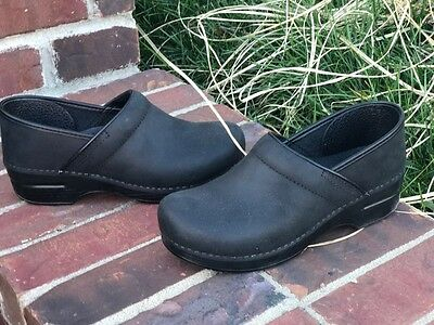 Dansko professional oiled black clogs size 40 NARROW new without box