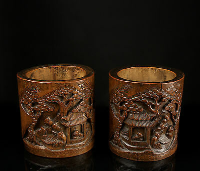 A Pair of Fine Early 19th c. Chinese Carved Bamboo Brush Pots - Bitong.