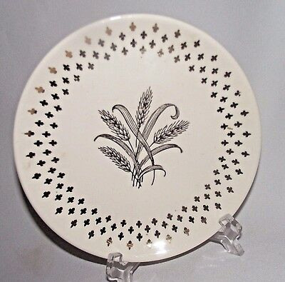 Homer Laughlin Golden Wheat Plate Fleur de lis USA Vtg Gold Salad White 7 1/4""