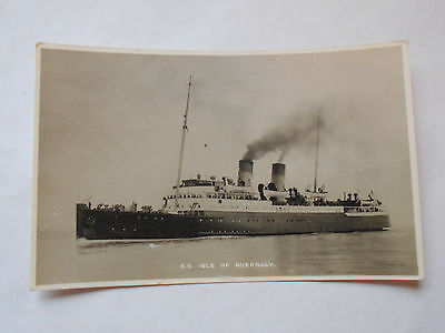 Vintage postcard Steam Ship S.S.Isle of Guernsey