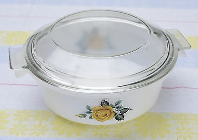 Vintage Pyrex Oven Serving Dish With Lid - Yellow Rose Design