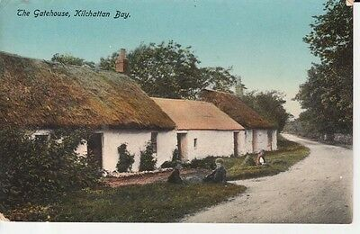 1915 KILCHATTAN BAY The Gatehouse - two thatched cottages, children