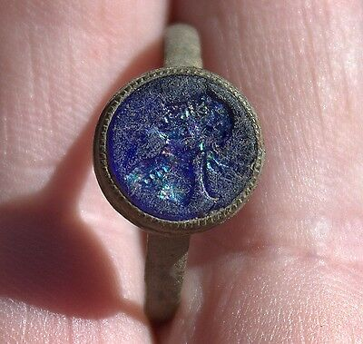 Beautiful Ancient Medieval Middle Ages Bronze Glass Intaglio MAN Ring Artifact