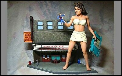 Attack Of The 50 Foot Woman Model Kit #1 Theater Diorama Version 091AW10