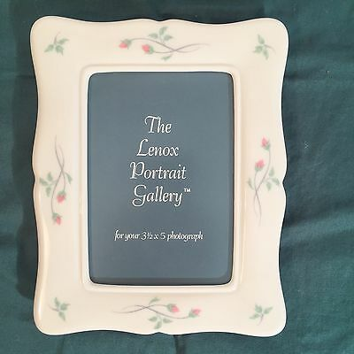 """Lenox Portrait Gallery Rose Manor Picture Frame for 3 1/2"""" x 5"""" Photo, Pre-owned"""