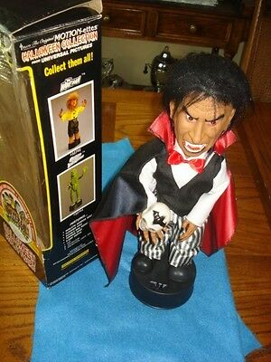 Universal Monsters Dracula Motionette, NM in Box