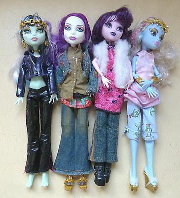 Monster High Dolls Bundle x 4 Figures Lots of Accessories Shoes Jewellery