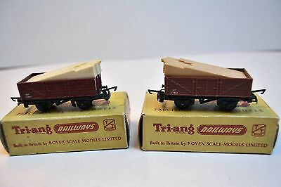 Triang TT Gauge 2x T177 Open Wagons with Plank Loads, different colours, Boxed