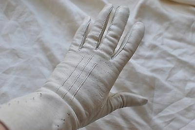 Vintage 1950s leather gloves size 7 off white / light grey ladies