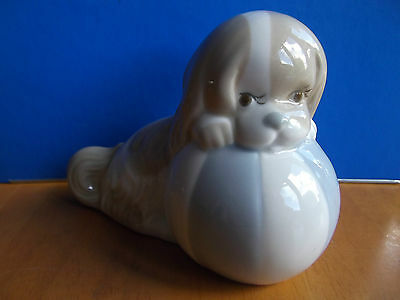 Lovely Vintage Miquel Requena S.a. Figurine * Dog With Ball * Cuart De Poblet *