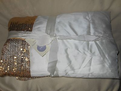 NWT padded white bed throw with gold sequinned border 200 x 127cms