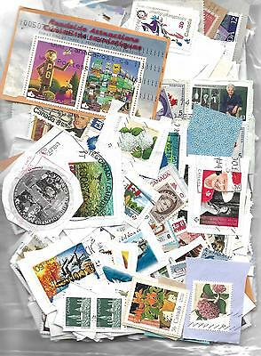 Lot # 66  Mixture Canada Iooo +  Stamps On And Off Paper Included 2016