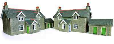 Metcalfe PO255 OO/HO Country Workers Cottages Ready Cut Card Kit