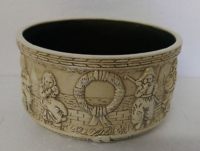 Bretby Bowl featuring Dutch Boys and Girls in a fishing village.