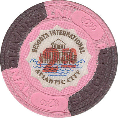 Resorts International - $2.50 Casino Chip