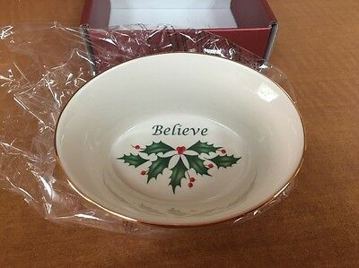 Lenox Holiday Believe Bowl   Christmas Holly Berry w Gold Trim Nut Candy Bowl