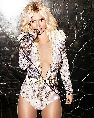 "Britney Spears 10"" x 8"" Photograph no 17"