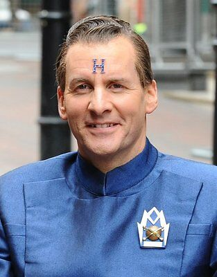 """CHRIS BARRIE- Arnold Rimmer In -""""Red Dwarf""""-Actor & Comedian-Signed card & PCpic"""