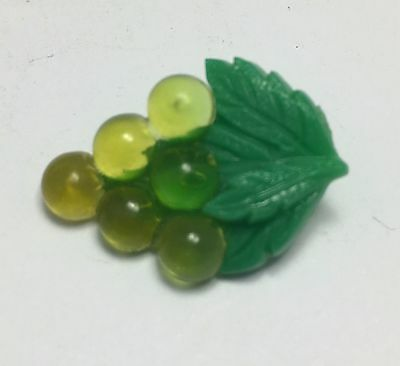 Vintage Plastic Button - Green Grapes - Realistic Goofy