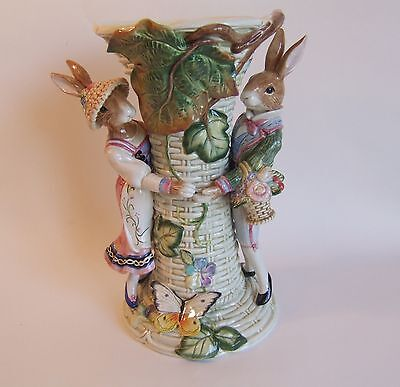 Fitz and Floyd Classics Old World Vase with 2 Rabbits EUC