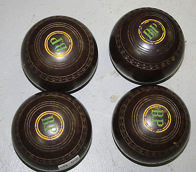 Set of 4 Henselite Size 4 Lawn Bowls in Case