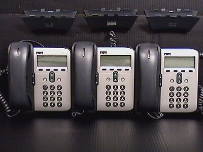 Lot of 3 Cisco 7912 Series IP Phones with Handsets CP-7912G-A V01 (M187322)