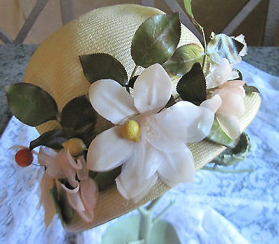 Awesome Vintage Ladies Straw Cloche Hat w/Fruit & Flowers~Lucille Mendez