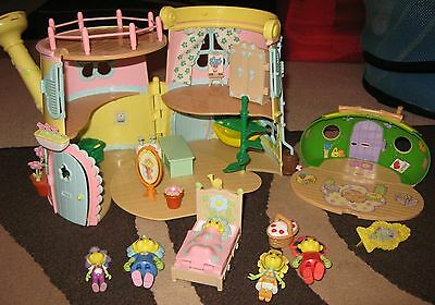 FiFi and the Flower Tots House | Figures