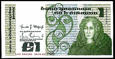 Ireland. Punt, LAE 002102, 30-6-82, Almost Uncirculated-Uncirculated.