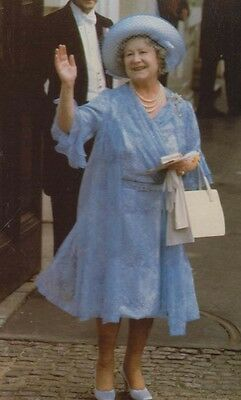 The Queen Mother Birthday Waving Blue Outfit White Handbag Royal Postcard