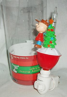 Peanuts  Charlie Brown Christmas Holiday Plug In Night Light