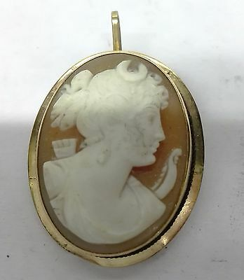 Antique Cameo pendant decipting Diana Hunting in gold 18k